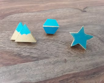 Emerald green wooden pins, turquoise and gold