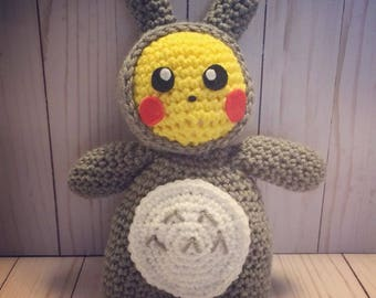 Pikachu in a Totoro outfit