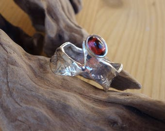 Silver ring and a Garnet