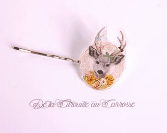 Roe with yellow flowers hairpin, black and white