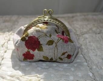 Wallet roses pattern linen fabric.
