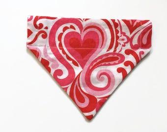 Valentine's Day / Dog bandana / pet bandana / cat bandana / no tie bandana / hearts bandana / dog gift / pet gift