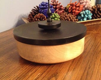 Round Bowl with Lid Woodturning