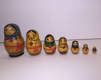 Unique Vintage Old Set Russian Wooden Nesting Dolls  7 pieces
