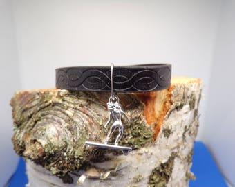 Strap black leatherette with surfer charm bracelet