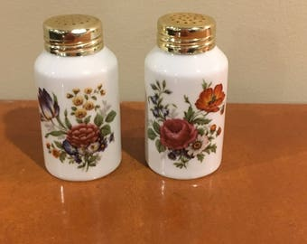 Floral Germany salt and pepper shakers