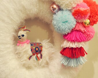 "Fa La La Llama Wreath 14"""