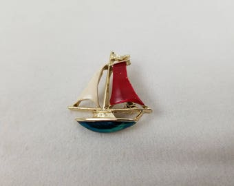 Vintage signed GERRY's Sailboat Goldtone Brooch w Red, White, & Blue Enamel