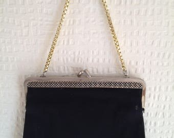 70's Black fabric snap-fastening purse with gold box chain
