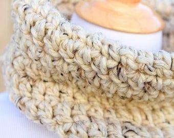 Chunky Cowl / Chunky Scarf / Thick Scarf / Chunky Neckwarmer / Creative Gift / Crochet Scarf / Crochet Neckwarmer / Tube scarf