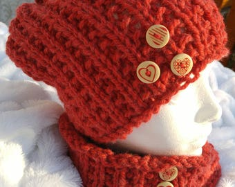 Red neck warmer and slouchy Hat