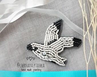 Flying seagull brooch