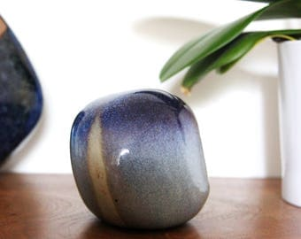 Spherical ceramic, with shade of blue and white 60's