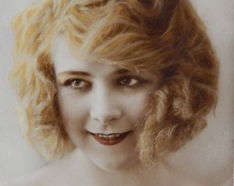 Vintage Postcard of Beautiful Young Lady - Art Deco French Carte Postale - Real Hand-tinted photograph - E11033
