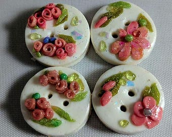 Little Sweet Cake Buttons with pink flowers