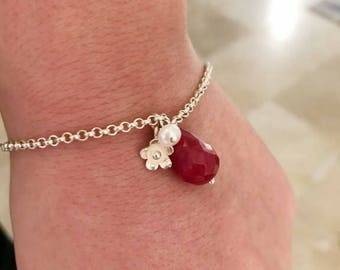 Elegant silver natural pearl and ruby root wristband