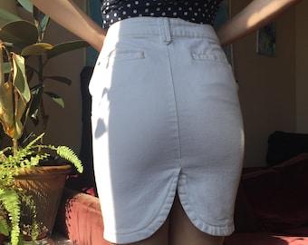 90s white denim skirt with slit at the back - size 29