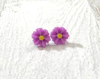 Little Purple Gerbera Daisy Stud Earrings with Surgical Steel Posts, Small Carved Spring Easter Daisies for Flower Girls and Weddings (SE18)