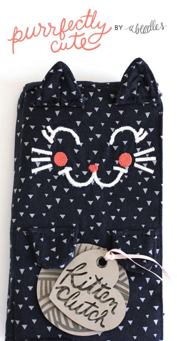 Kitten Clutch | Mallory. Navy blue clutch. Cat face purse. Feline wristlet. Adorable gift for her under 50. Friend gift ideas.