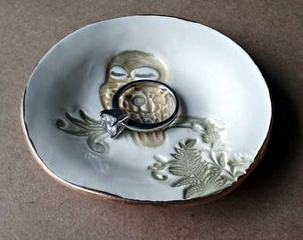 Ceramic Owl small Ring Dish Ring Bowl Ring holder edged in gold