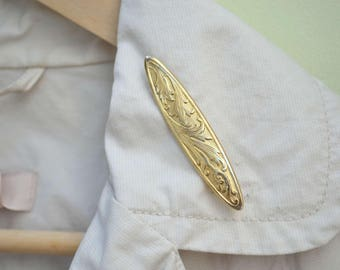 Gold Brooch Pin, Vintage Bar Brooch, Victorian Revival Bar Pin, Embossed Gold Pin, Acanthus Foliage Pin