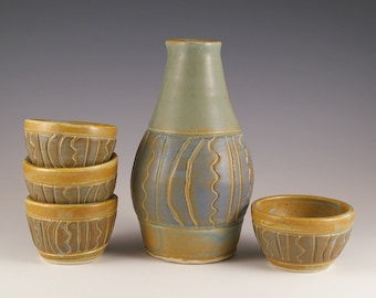 Sake set with 4 cups in  blue