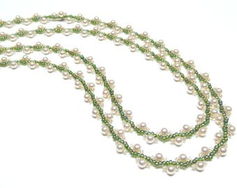 cream pearl necklace,beaded pearls,green and gold bead necklace,cream pearl beaded necklace,handmade pearl necklace,wedding, bridesmaid gift