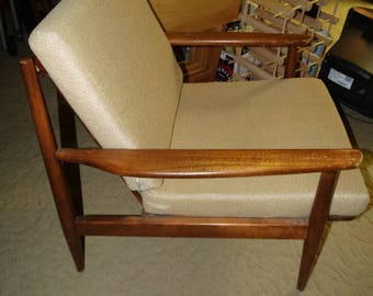 Mid Century Modern Danish Style Lounge Chair, Atomic Style Chair, Sloping Arms, Rattan Seat Back, Danish Modern, Looks like Folke Ohlsson?