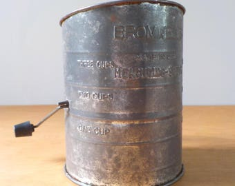 Vintage Bromwell Measuring Sifter • Basic Rustic Metal Flour Sifter • Made in the USA Sifter