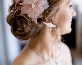 Pink feather bridal hairclip - wedding fascinator for special occasion