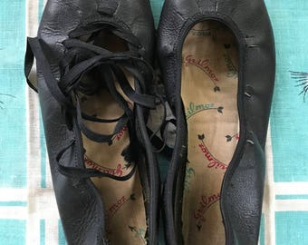 Vintage 1950's black Guilmox lace up Mary Janes square dance shoes 7 1/2 or 8