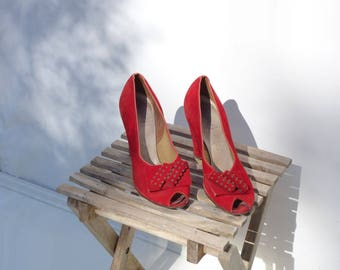 Vintage 1940s Shoes Hobnail Bow Red Suede Shoes 40s Vintage Shoes 1940s Red Shoes 40s Red Heels Vintage 40s Shoes Size 7, Euro 37.5. UK 4.5