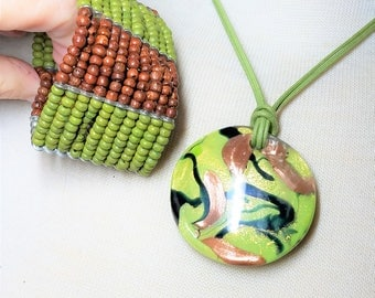Abstract Glass Green Gold Pendant Plus 10 Row Green Brown Bracelet