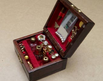 Ladies Dollhouse Necessaire Box Sewing Box Perfume Cosmetic Box