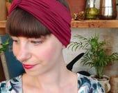 Bandeau Turban rouge - bandeau Bordeaux - large bandeau - femmes bandeau - torsion enveloppement de la tête - enveloppe de cheveux - modal tricot - cadeau pour elle de vin
