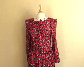 Vintage Red FLORAL Long Sleeve Dress With POCKETS / LACE Collar / Low Waist / 1980s Periwinkle / Womens Medium Large
