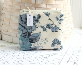 Small Coin Purse Change Purse Card Holder Blue Floral Zipper Pouch
