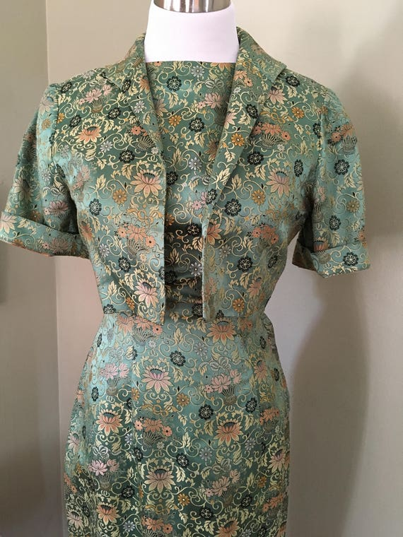 1950s Beautiful Two Piece Green and Gold Floral Silk Brocade Fitted Dress with Matching Jacket-XS