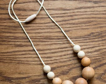 Teething Necklace - Natural Wooden Statement - Fall Winter Collection