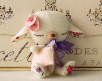 Lullaby Lamb pdf Pattern - Instant Download