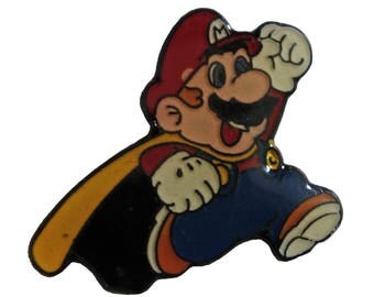 NINTENDO Super Mario World vintage video game enamel pin tie hat pinback nes snes