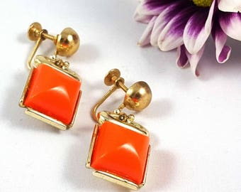 Vintage Mod Orange Lucite Screw Back Earrings