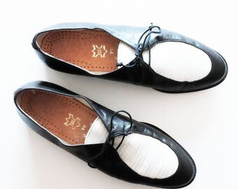 vintage spectator oxford shoes size 7.5