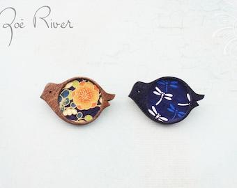 Wooden bird brooches. Navy blue bird brooch. Dragonfly bird brooch. Bird pin. Bird jewelry. Japanese paper bird brooch. Bird broach.
