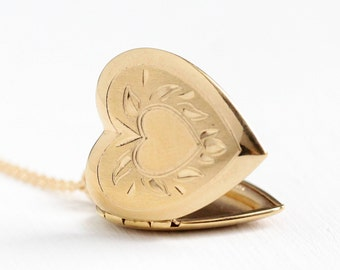 Vintage 12k Rosy Yellow Gold Filled Heart Locket Necklace - 1940s WWII Sweetheart Pendant Charm Picture Photograph Leaf Motif Jewelry