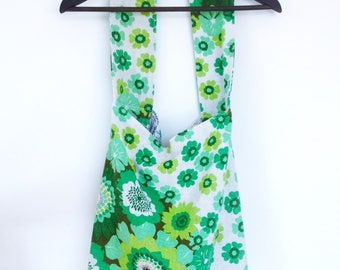 Flower Power Daytripper - Slouchy handbag in vintage 70s fabric with green kitschy flowers