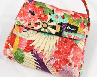 Evening Bag with Magnetic Closure