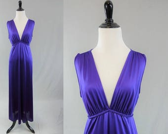 80s Purple Nightgown - Plunging V Neckline - Long Gown - Vanity Fair - Vintage 1980s - M 36