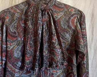Beautiful Vintage Evan Picone Blouse with Pleated Tie