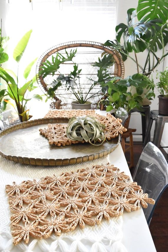 set of 4 large woven straw flower table trivet mats